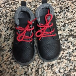 LIKE NEW Crazy 8 Toddler Black BootS Red Laces SZ6